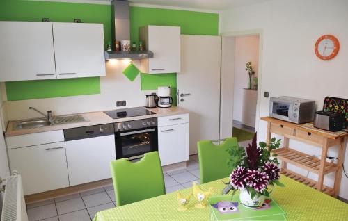 Küche/Küchenzeile in der Unterkunft Holiday Apartment Horhausen 07