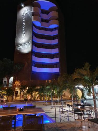 A piscina localizada em Garbos Trade Hotel ou nos arredores