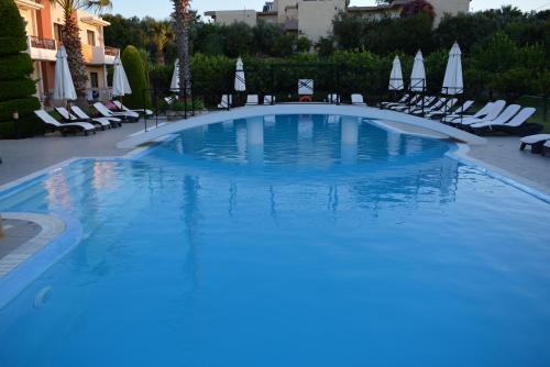 Het zwembad bij of vlak bij Stavros Melathron Studios