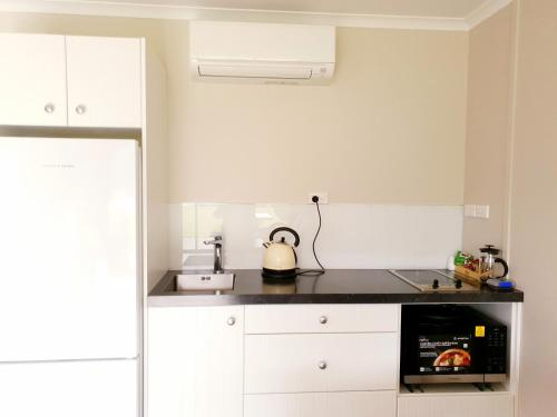 A kitchen or kitchenette at Braxmere