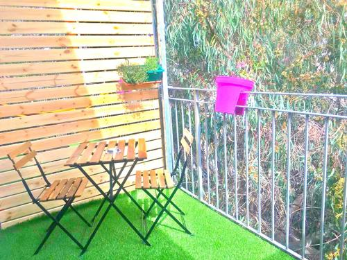 A balcony or terrace at ☀Dawn & Sun☀ Boutique Studio in TLV + Balcony