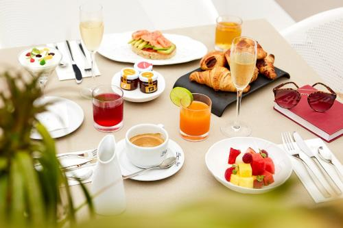 Breakfast options available to guests at Migjorn Ibiza Suites & Spa