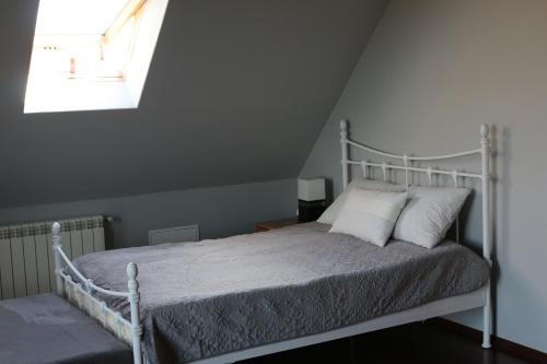 Łóżko lub łóżka w pokoju w obiekcie Apartament Studio Spytkowice