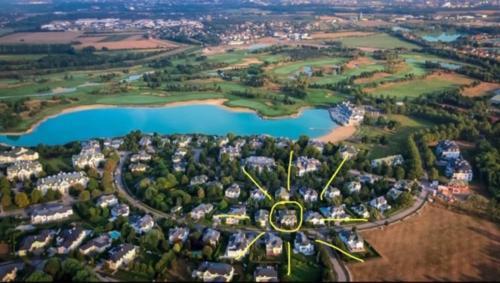 Blick auf golf-apartment aus der Vogelperspektive