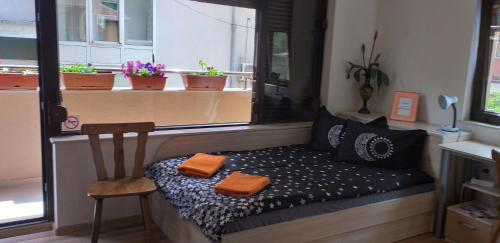 A bed or beds in a room at Julius Apartment near center