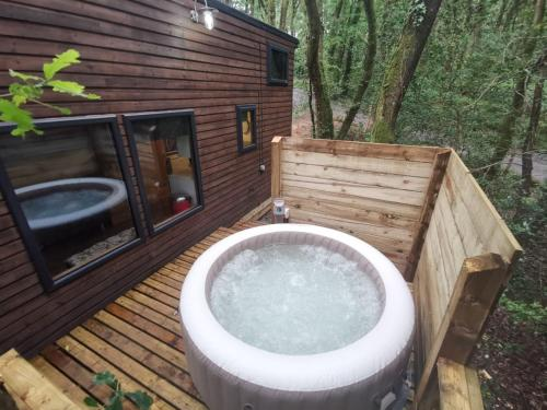 Spa and/or other wellness facilities at Tiny House-Hot Tub-St Clears-Pembrokeshire-Tenby