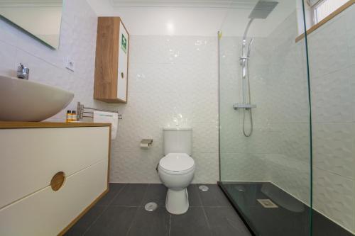 Een badkamer bij Rei's House - T1 Praia da Rocha