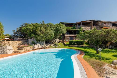 The swimming pool at or near Villa Romantica