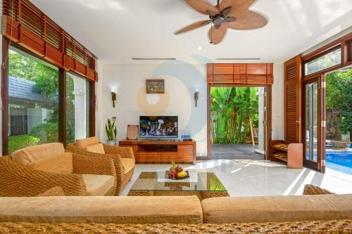 Luxury Villas Beach Resort DA NANG