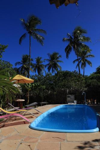 A piscina localizada em Imbassaí Eco Hostel Lujimba ou nos arredores