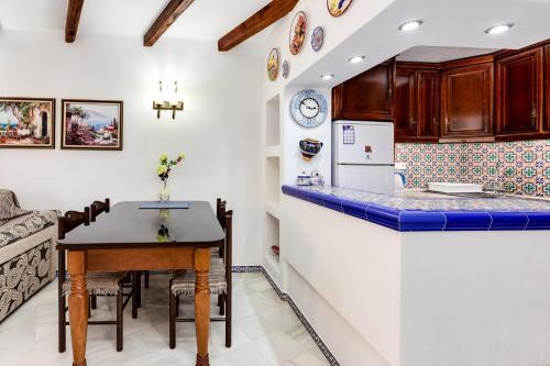 A kitchen or kitchenette at Apartment Aldea