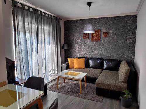 A seating area at Apartment LAVO Center
