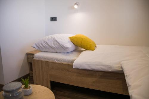 Krevet ili kreveti u jedinici u objektu Apartmani Petra i Tea