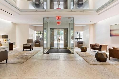The lobby or reception area at The Beekman Tower