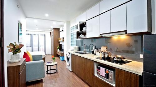 Center-Westlake-Apartments