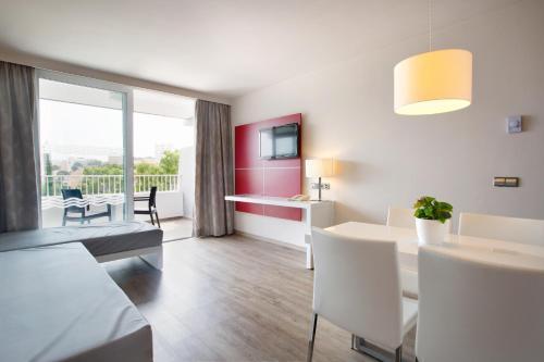 A seating area at Mar Hotels Rosa del Mar & Spa