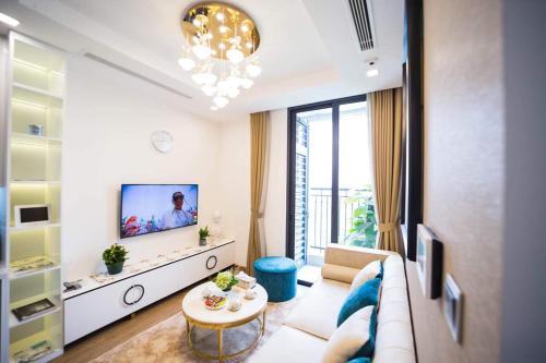 Stylish apartment in Vinhomes GreenBay