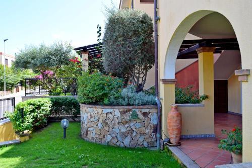 A garden outside Casa Roma
