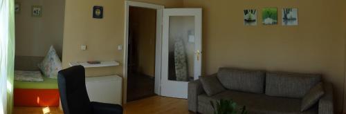 A seating area at Apartment Viktoria