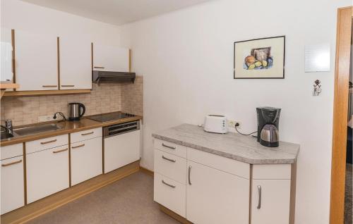 A kitchen or kitchenette at Apartment Marktstrasse