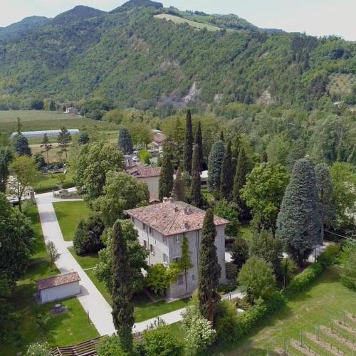 Vista aerea di Corte San Ruffillo Country Resort
