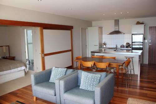 A kitchen or kitchenette at The Sands Waiheke