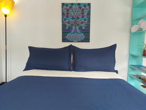 Una cama o camas en una habitación de Karma