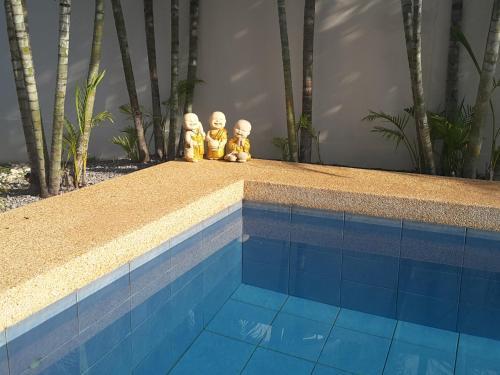 สระว่ายน้ำที่อยู่ใกล้ ๆ หรือใน Pool Villa