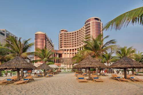 Holiday Beach Đà Nẵng Hotel and Spa