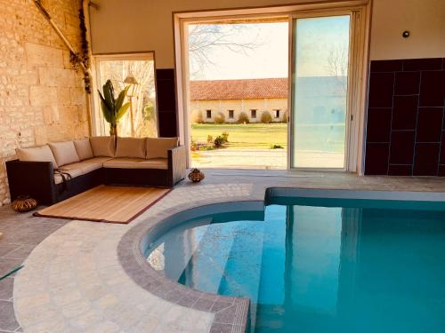 The swimming pool at or close to Luxury Chateau France - Pool