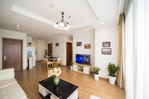 Luxury Apartment 3BDR 5 * #Vincom Royal R6 Hanoi