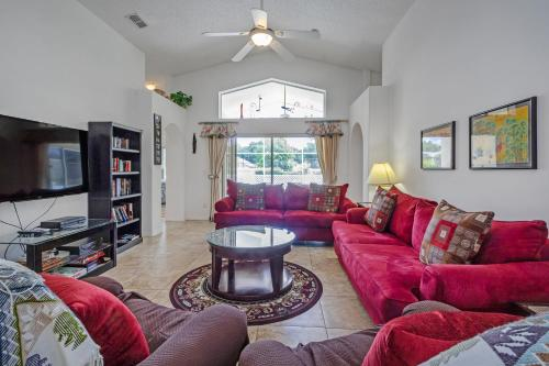 A seating area at Ideal Vacation Home with private pool minutes to Disney