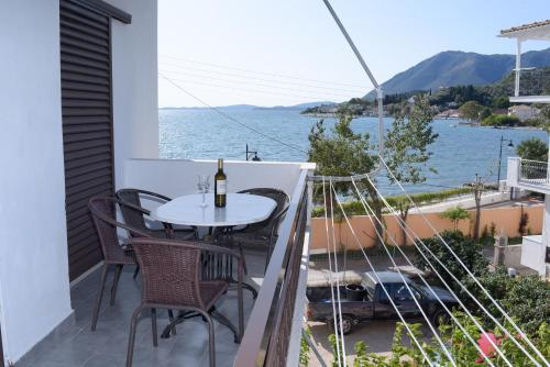 A balcony or terrace at Villa Vandorou-lefkada