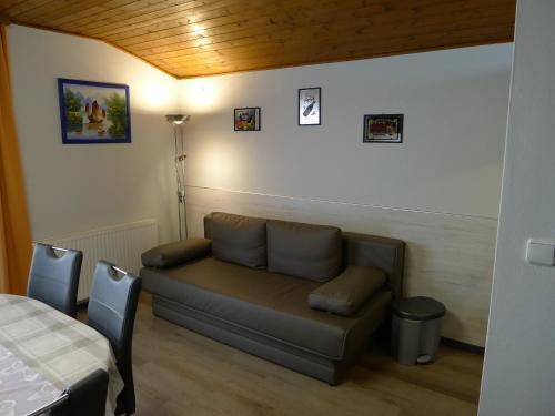 Ein Sitzbereich in der Unterkunft Alpenappartement Claudia