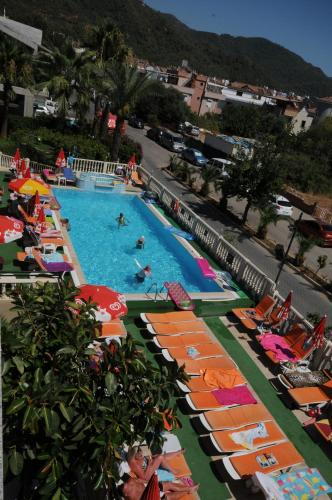 A view of the pool at Ozturk Apart Hotel or nearby