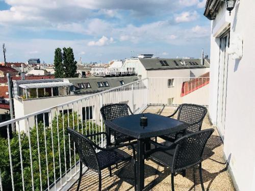 Ein Balkon oder eine Terrasse in der Unterkunft Terrassen Apartment beim Naschmarkt