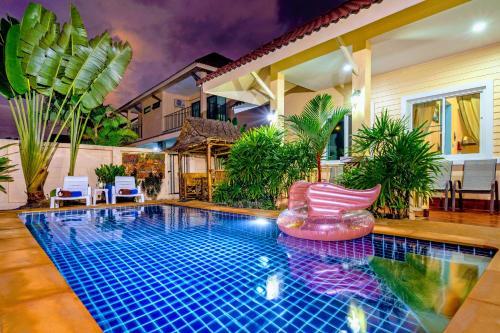 Der Swimmingpool an oder in der Nähe von Relax Pool Villas - Free Ao Nang Shuttle Service