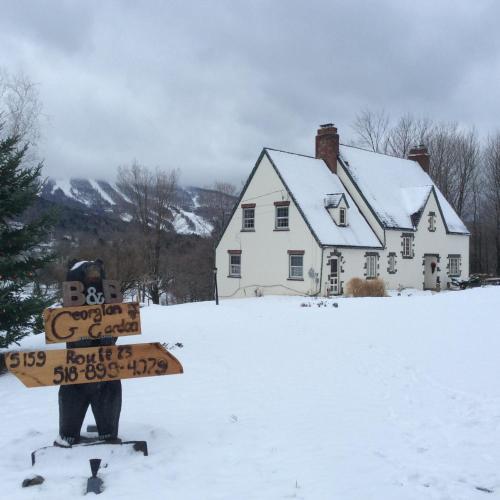 Georgian Garden Inn during the winter