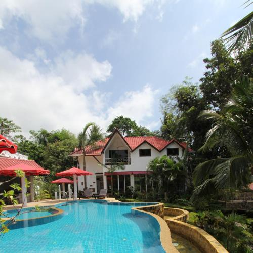 The swimming pool at or close to Top Resort