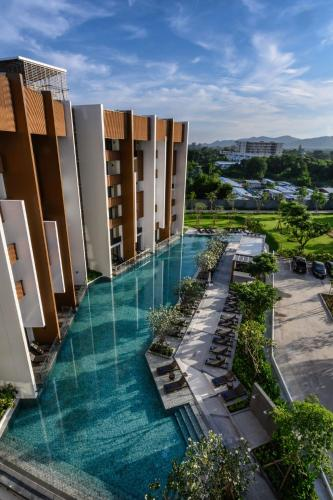 สระว่ายน้ำที่อยู่ใกล้ ๆ หรือใน iSanook Hua Hin Resort & Suites