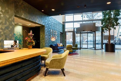 The lobby or reception area at Citadines Sloterdijk Station Amsterdam