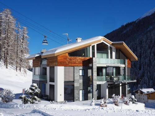Alpinlodge & Spa during the winter