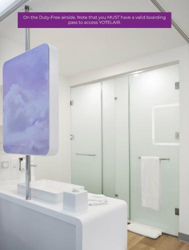 Ванная комната в YOTELAIR Istanbul Airport (Airside)