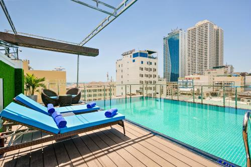 Celina Hotel & Apartment