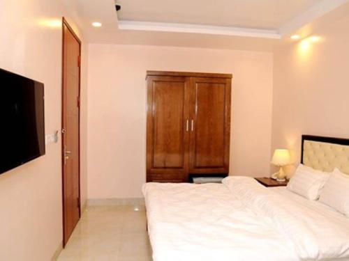 OYO 620 New World Hotel