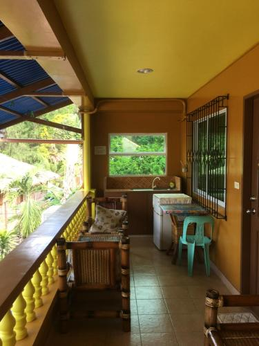 A restaurant or other place to eat at Gracias Inn
