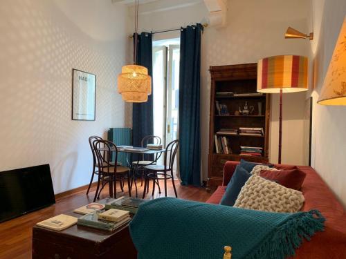 A seating area at Corso Garibaldi Suite