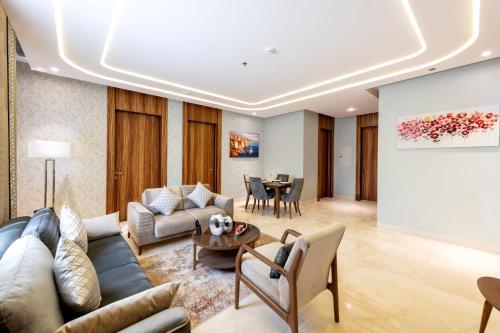 A seating area at Taj Jeddah Hotel Apartment