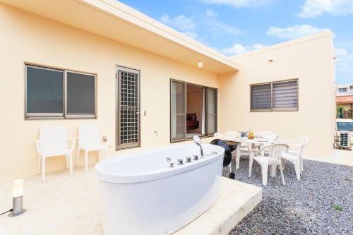 かりゆしコンドミニアムリゾート名護 RB villaにあるバスルーム
