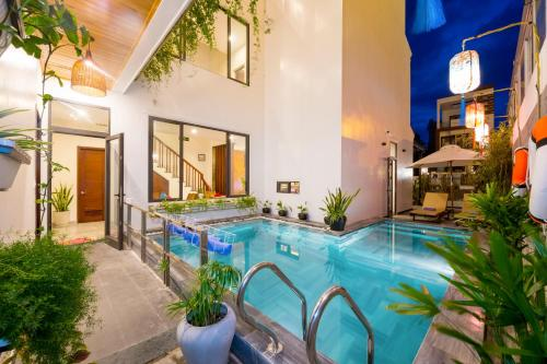 Pho Hoi Ancient Town Beauty Boutique Villa Hotel